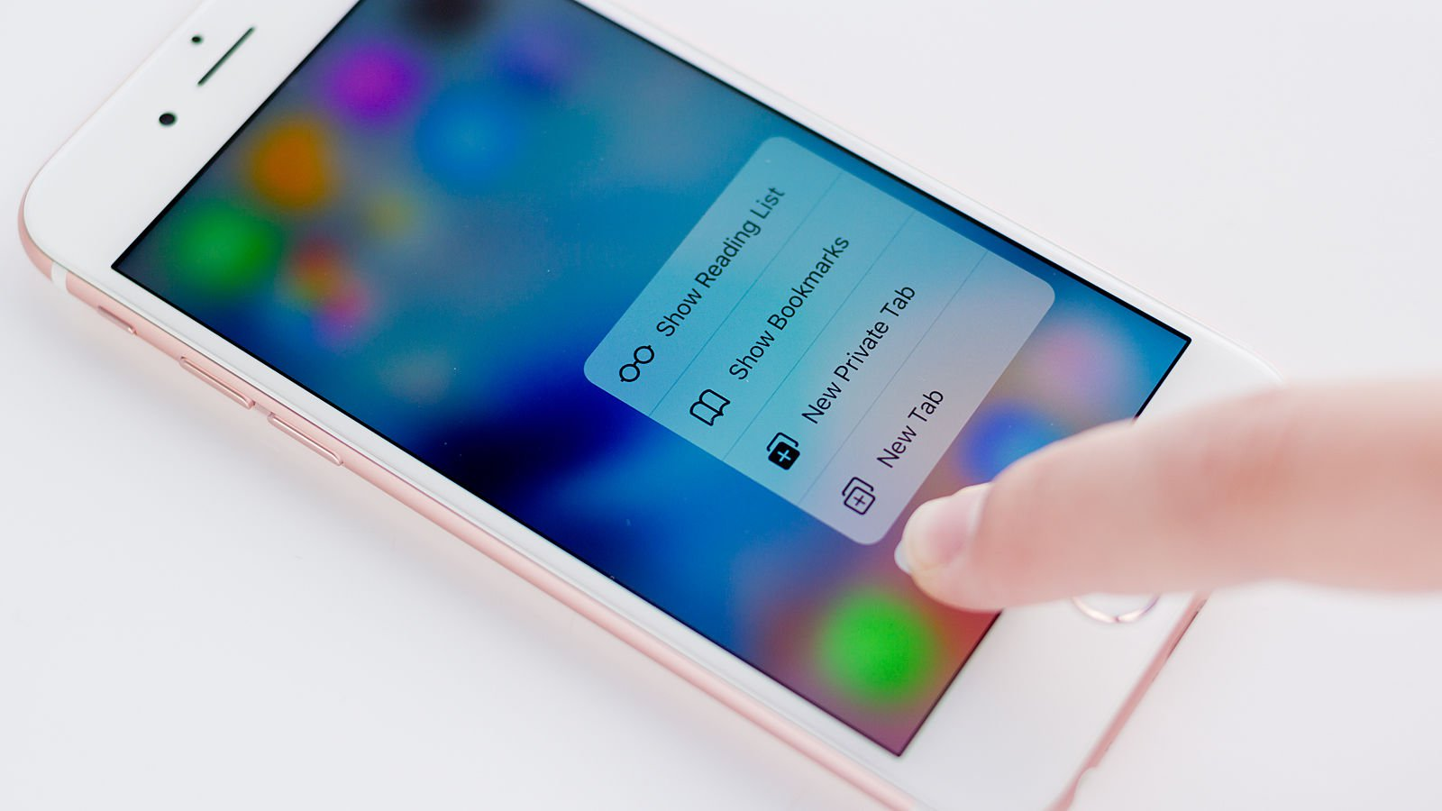 Display iPhone 6s Tehnologie 3D Touch, mai rezistent la socuri mecanice.